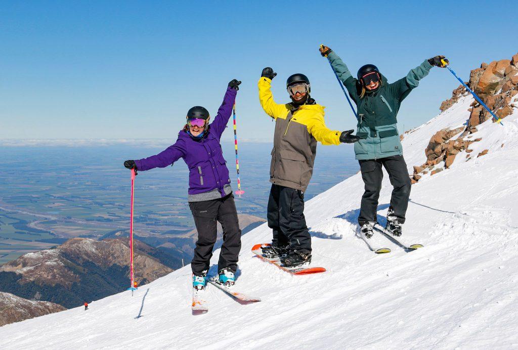 Mt Hutt New Zealand skiing.