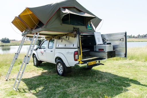 4wd_double_cab_camper_sleeps_4_rental_Maun_Botswana