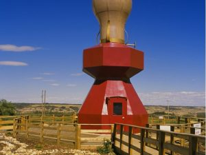 worlds-largest-lamp-Donalda_Alberta